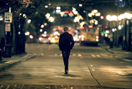 caminhando-sozinho-thumb-800x542-122847